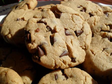 cookies au beurre de cacahu tes et p pites chocolat la recette facile. Black Bedroom Furniture Sets. Home Design Ideas