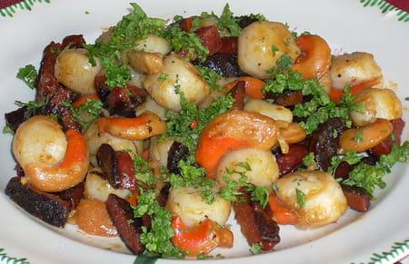 Noix de saint jacques au chorizo la recette facile - Cuisiner noix de st jacques ...