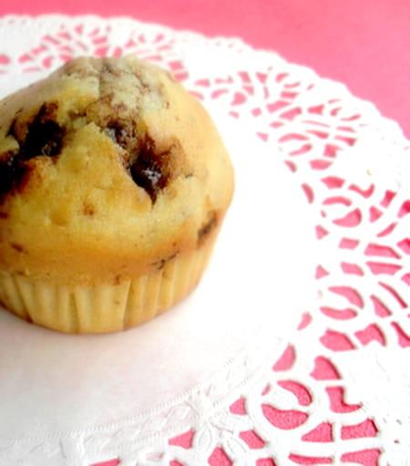 muffins aux noix et chocolat au lait au caramel la recette facile. Black Bedroom Furniture Sets. Home Design Ideas