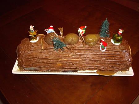 B che de no l chocolat et cr me aux marrons avis sur la for Buche de noel chocolat marron