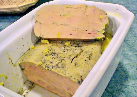 Terrine de foie gras la recette - Foie gras maison en terrine ...