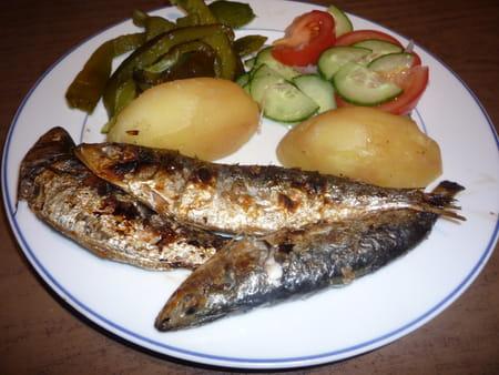 Sardinha assada sardines brais es au barbecue la recette facile - Sardine grillee au barbecue ...