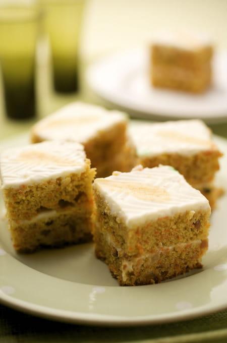 carrot cake avec gla age au kiri la recette facile. Black Bedroom Furniture Sets. Home Design Ideas