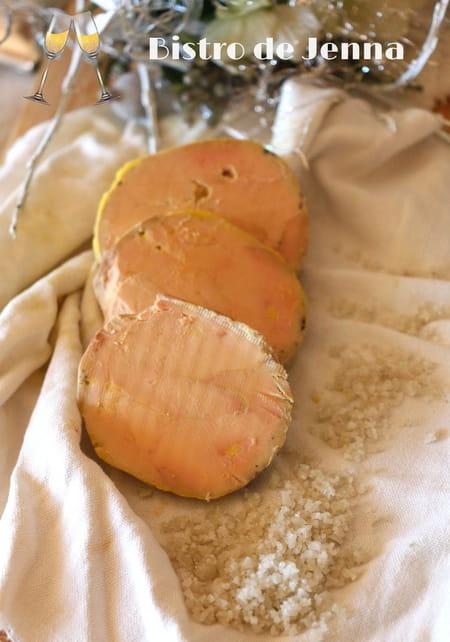 foie gras au torchon express la recette facile. Black Bedroom Furniture Sets. Home Design Ideas