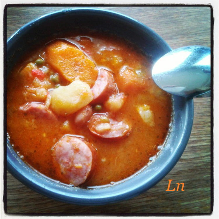 Recette de soupe paysanne la saucisse fum e la recette - Cuisiner des saucisses fumees ...