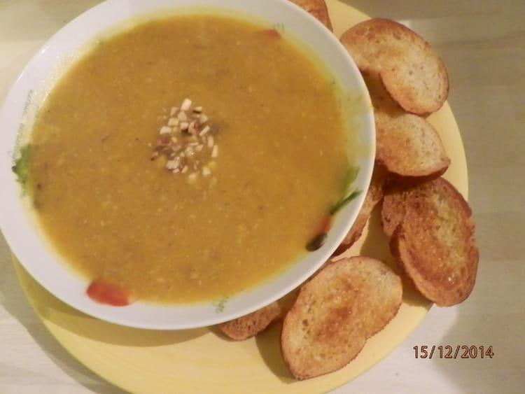 recette de soupe au potimarron et aux champignons la recette facile. Black Bedroom Furniture Sets. Home Design Ideas