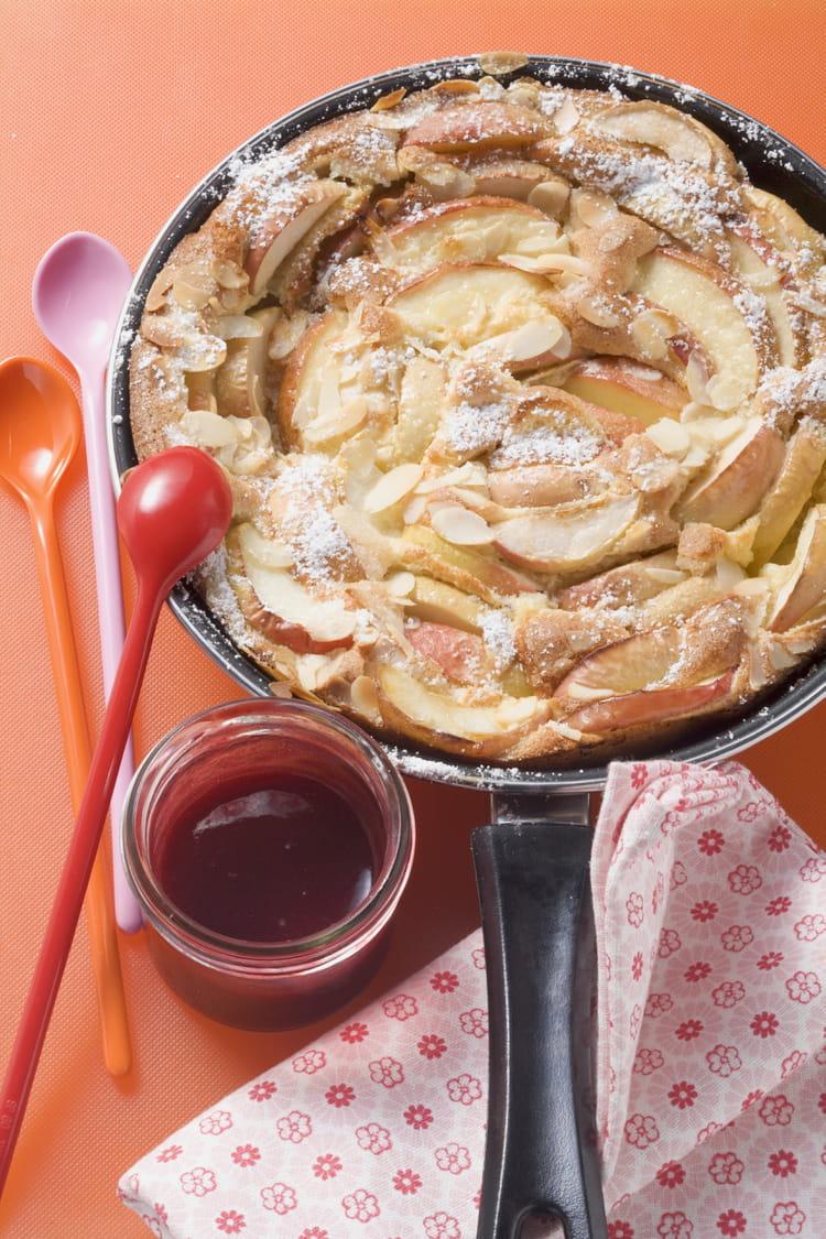 recette de g teau de cr pes aux pommes la po le la. Black Bedroom Furniture Sets. Home Design Ideas