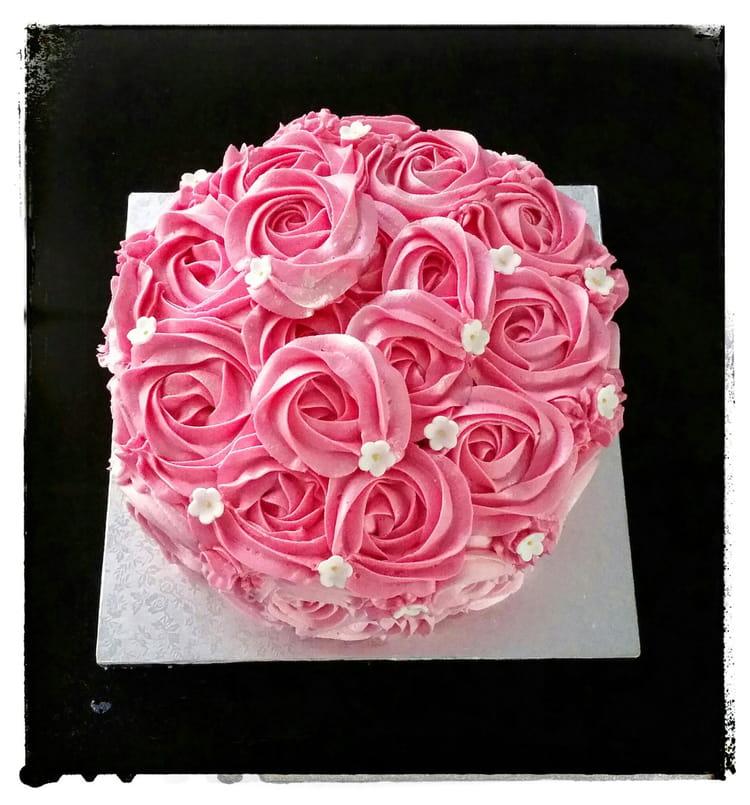Recette de rose cake moelleux la recette facile - Decoration gateau avec creme chantilly ...