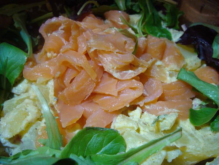 Recette de salade de pommes de terre au saumon sauce curry - Salade pomme de terre saumon fume ...