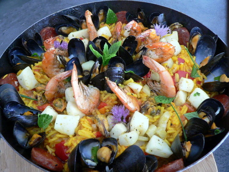 recette de paella aux fruits de mer la recette facile. Black Bedroom Furniture Sets. Home Design Ideas