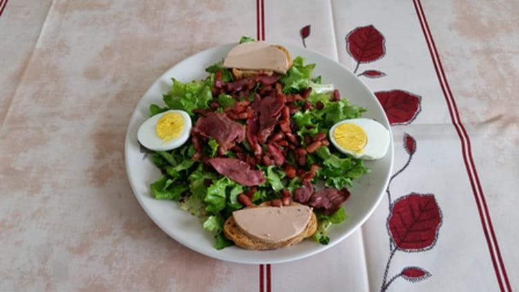 recette de salade de magret de canard fum g siers foie gras la recette facile. Black Bedroom Furniture Sets. Home Design Ideas