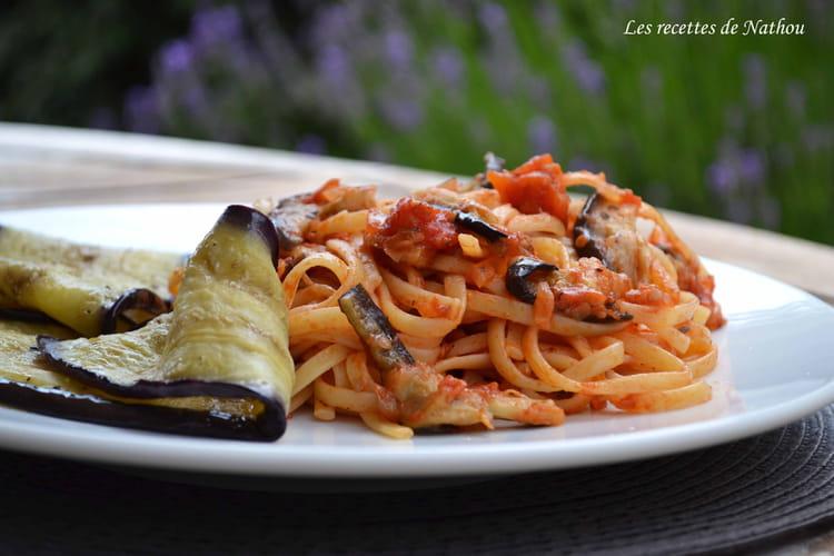 Recette de p tes linguine aux aubergines grill es la norma la recette facile - Recette aubergine grillee ...