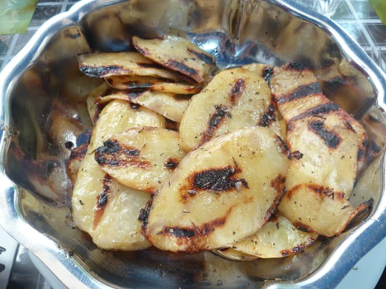 recette de pommes de terre au barbecue la recette facile. Black Bedroom Furniture Sets. Home Design Ideas