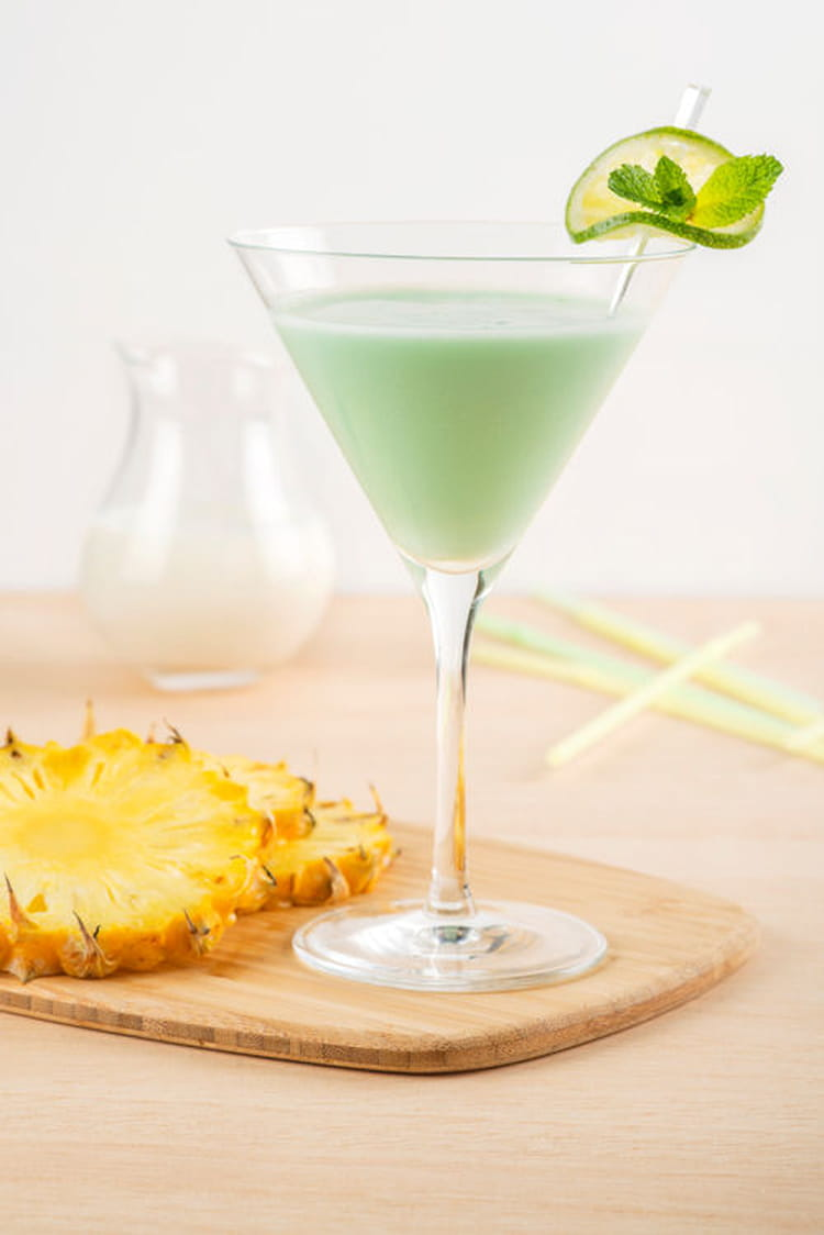 Recette de cocktail sans alcool au lait de coco ananas et for Cocktail lait de coco