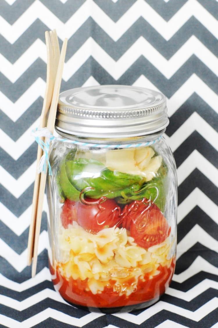recette de salad in a jar ou salade en bocal la recette facile. Black Bedroom Furniture Sets. Home Design Ideas