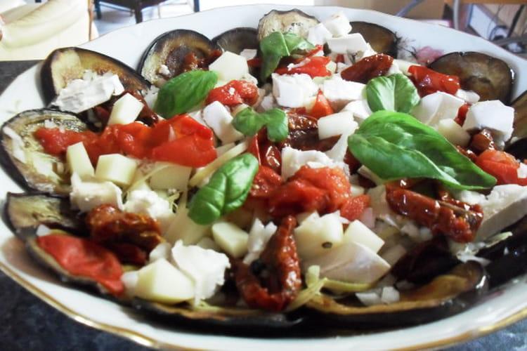 Recette de salade d 39 aubergines grill es aux tomates confites la recette facile - Recette d aubergines grillees ...