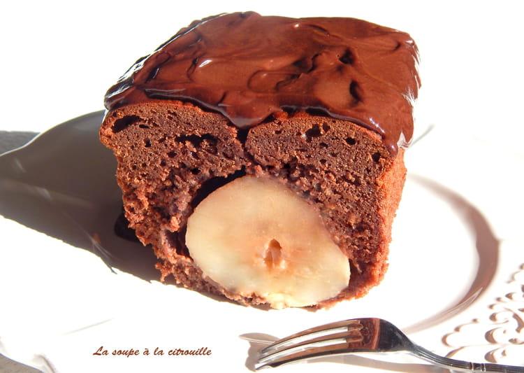 recette de cake surprise chocolat et poire la recette. Black Bedroom Furniture Sets. Home Design Ideas
