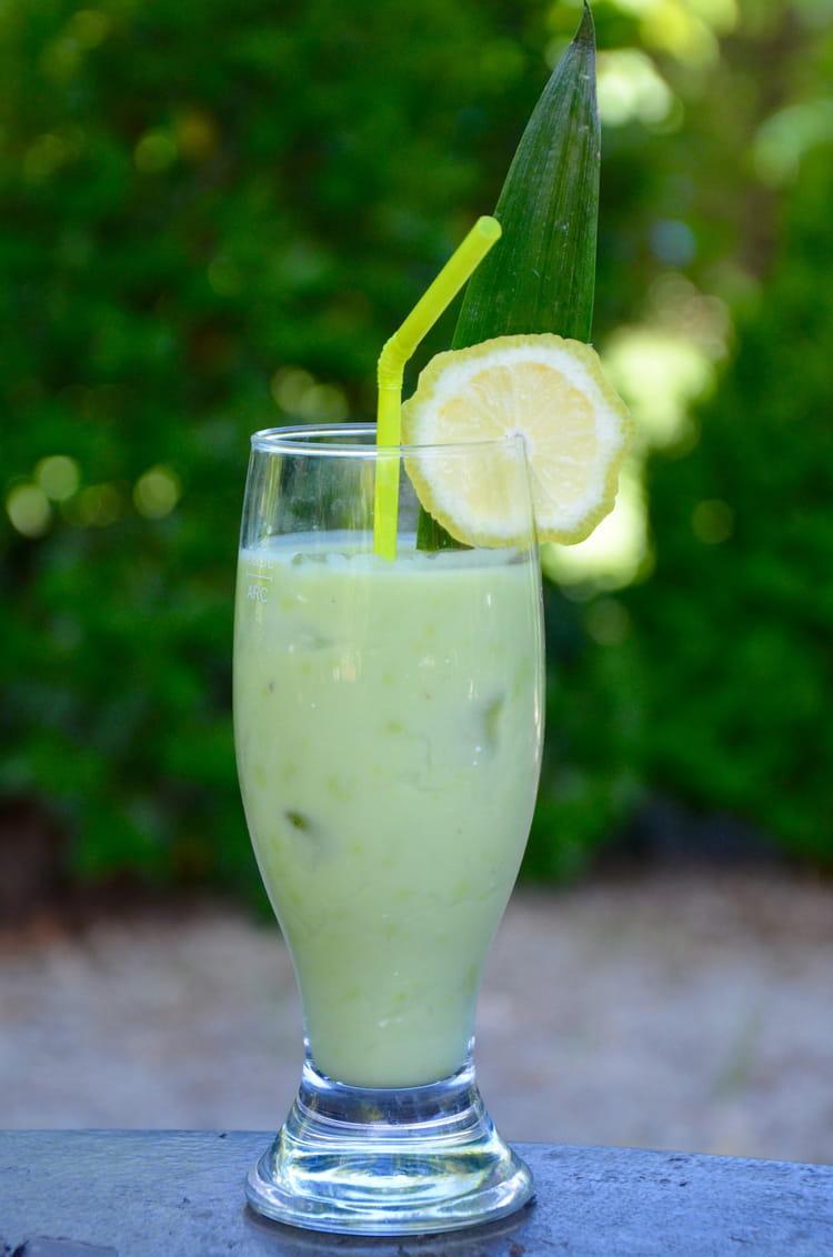 Recette de milk shake l 39 avocat avocado juice la recette facile - Quantite boisson par personne ...