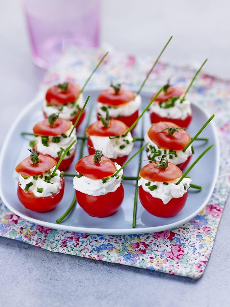 recette de tomates cocktail farcies au fromage frais et aux herbes la recette facile. Black Bedroom Furniture Sets. Home Design Ideas