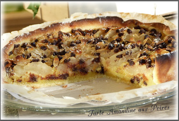 recette de tarte amandine aux poires p pites de chocolat et amandes la recette facile. Black Bedroom Furniture Sets. Home Design Ideas
