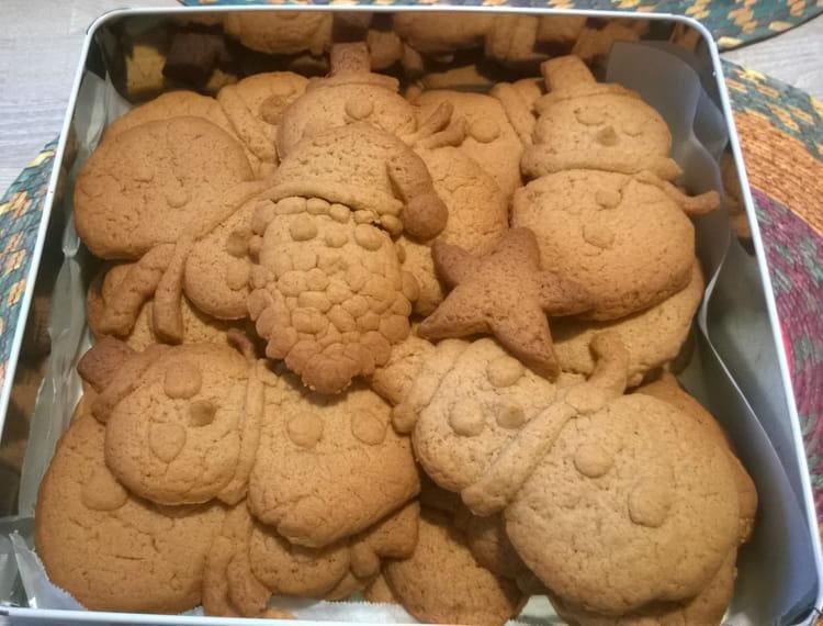 Recette de biscuits de no l la cannelle la recette facile - Biscuits de noel facile ...