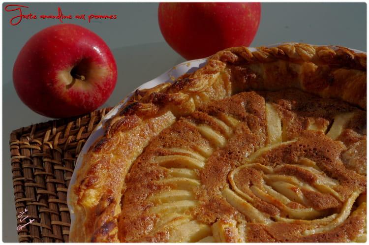 recette de tarte amandine aux pommes de cyril lignac la. Black Bedroom Furniture Sets. Home Design Ideas