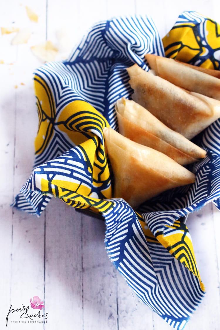 recette de samoussas farcis la banane plantain et au chocolat la recette facile. Black Bedroom Furniture Sets. Home Design Ideas