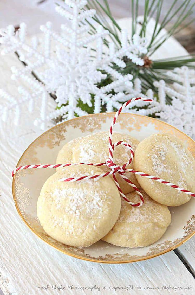 Recette de petits biscuits de no l grec kourabiedes la recette facile - Biscuit de noel facile ...