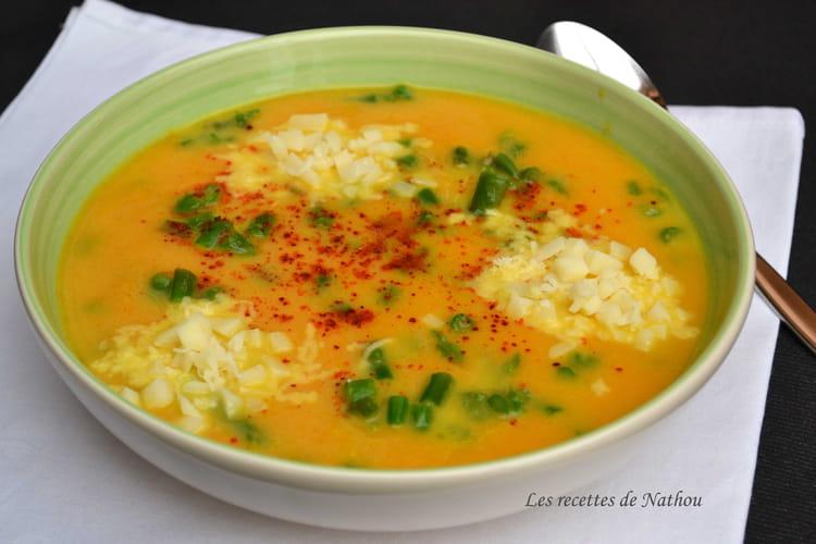 recette de soupe aux carottes pic e au curcuma asperges vertes et provolone la recette facile. Black Bedroom Furniture Sets. Home Design Ideas