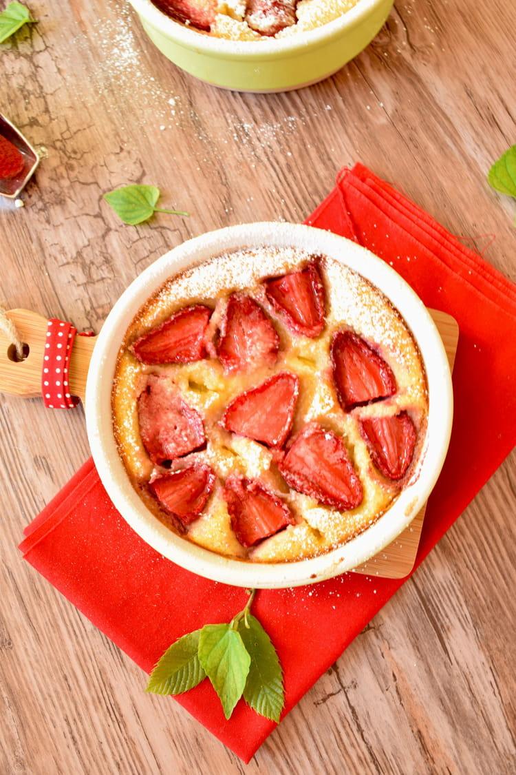 recette de clafoutis aux fraises et l 39 amande la. Black Bedroom Furniture Sets. Home Design Ideas