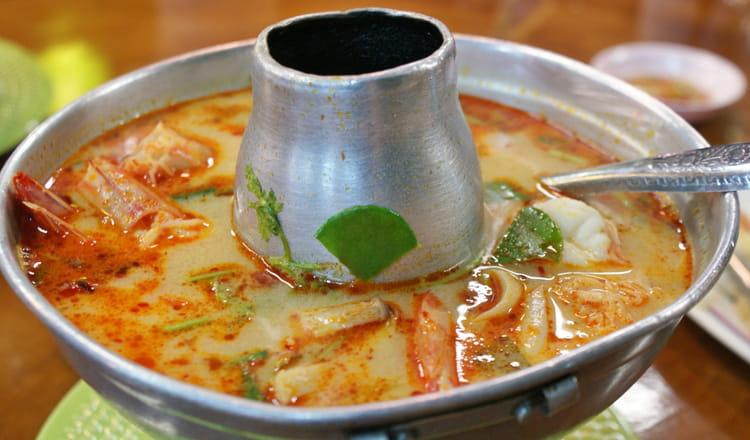 Recette de soupe tha landaise tom yam gung la recette facile - Recette cuisine thailandaise traditionnelle ...