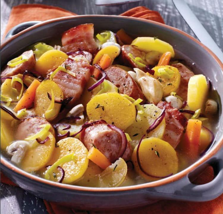 Recette de backeoffe saucisse fum e poitrine et pommes de - Cuisiner des saucisses fumees ...