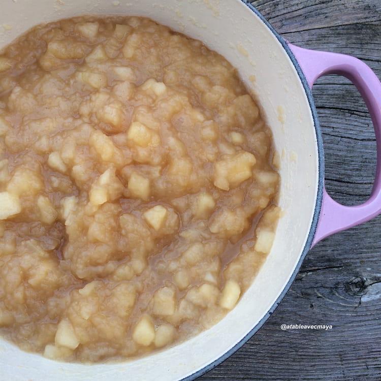 recette de compote de pomme la cannelle la recette facile. Black Bedroom Furniture Sets. Home Design Ideas