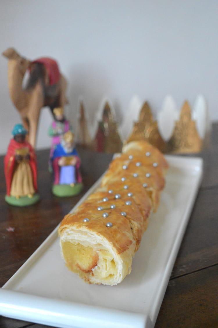 Recette de galette des rois roul e la frangipane for Decoration galette des rois frangipane
