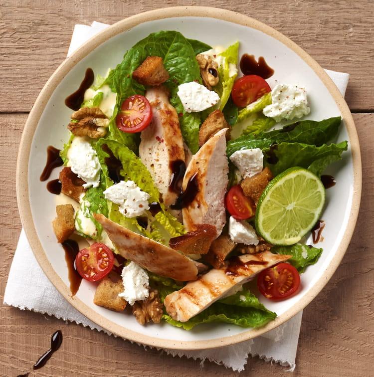 Recette de salade caesar l g re au carr frais la for Entree froide legere