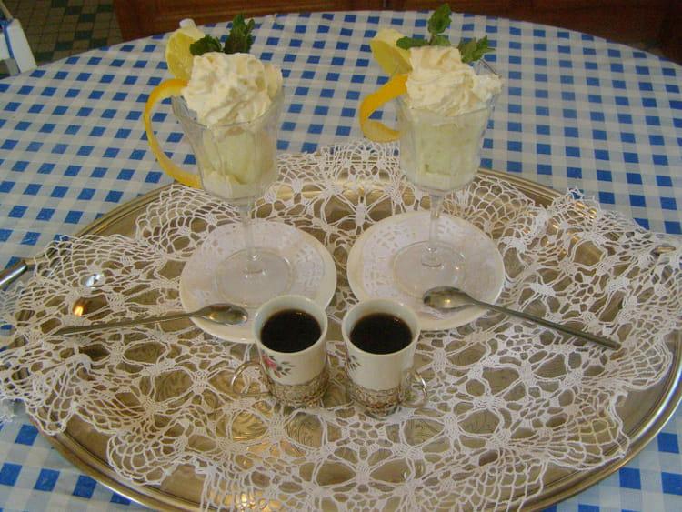 recette de coupe le colonel sorbet citron vodka la recette facile. Black Bedroom Furniture Sets. Home Design Ideas