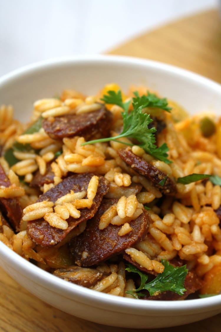 Recette de salade de p tes au chorizo poivrons et champignons grill s au four la recette facile - Salade de poivron grille ...