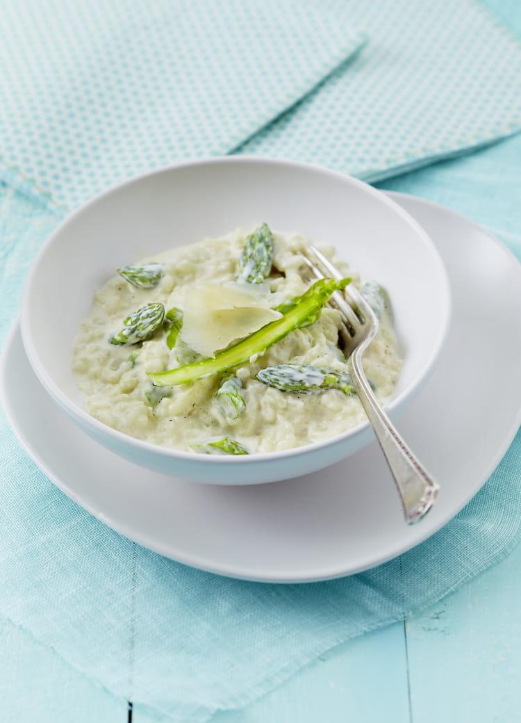 recette de risotto d asperges vertes au chavroux la recette facile. Black Bedroom Furniture Sets. Home Design Ideas
