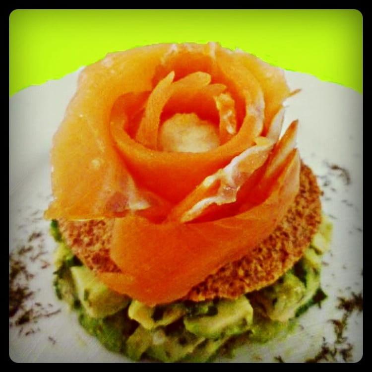 recette de rose de saumon fum au coeur de sorbet de citron vert sur lit d 39 avocat et de. Black Bedroom Furniture Sets. Home Design Ideas