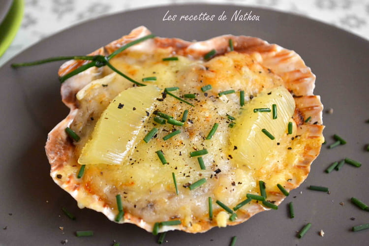 Recette de coquilles st jacques gratin es la recette facile - Cuisiner les coquilles saint jacques ...