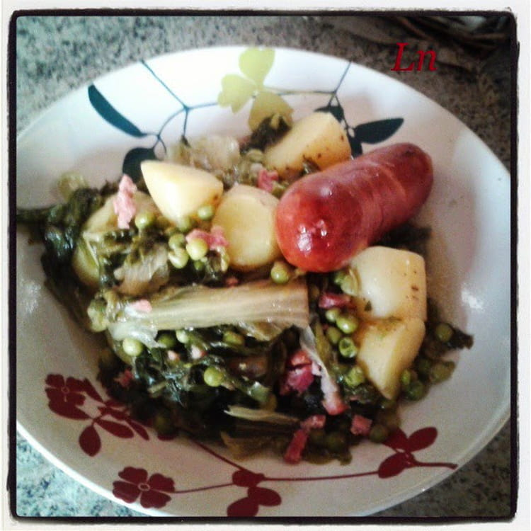 Recette de jardini re de pommes de terre et petits pois - Cuisiner des saucisses fumees ...