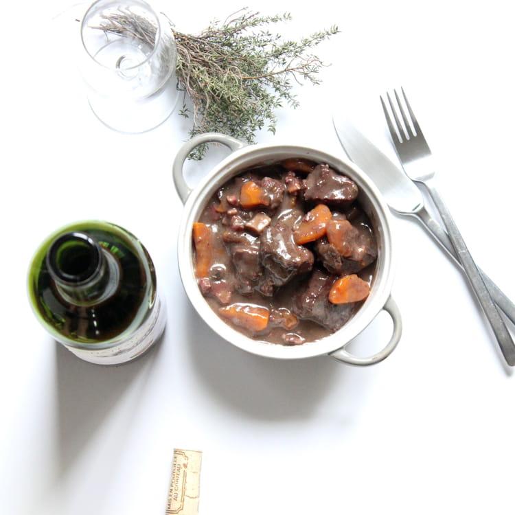 Recette boeuf bourguignon pour 4 personnes - Cuisiner le boeuf bourguignon ...