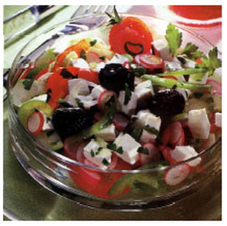 recette de salade fra che au ch vre la recette facile. Black Bedroom Furniture Sets. Home Design Ideas