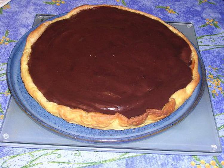 recette de tarte poire chocolat poudre d 39 amandes et kirsch la recette facile. Black Bedroom Furniture Sets. Home Design Ideas