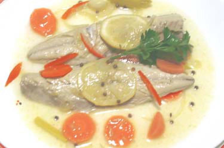 Maquereaux marin s au vin blanc la recette facile - Cuisiner des maquereaux ...