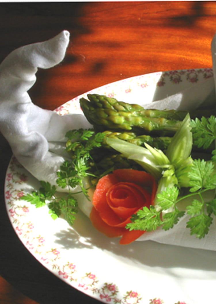 recette asperges vertes sauce aux myrtilles la recette. Black Bedroom Furniture Sets. Home Design Ideas