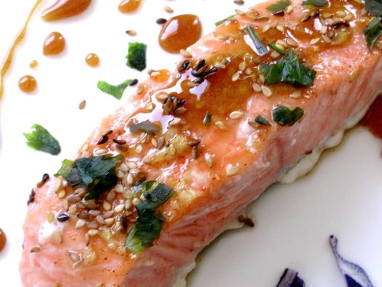 Recette de pav s de saumon caram lis s la recette facile - Comment cuisiner pave de saumon ...