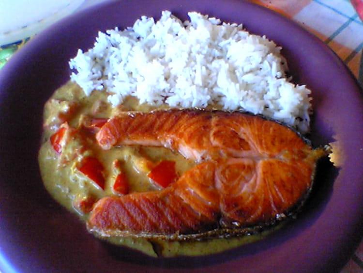 Recette de darne de saumon aux tomates et lait de coco - Cuisiner darne de saumon ...
