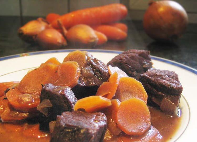 Recette de daube de boeuf de ma grand m re la recette facile - Cuisiner une joue de boeuf ...