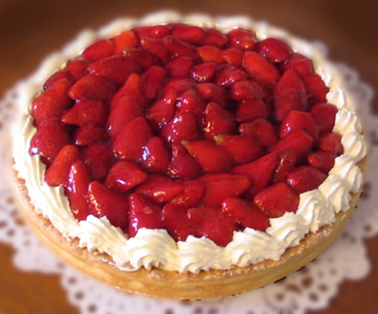 tarte aux fraises cr me aux amandes et chantilly maison la recette facile. Black Bedroom Furniture Sets. Home Design Ideas